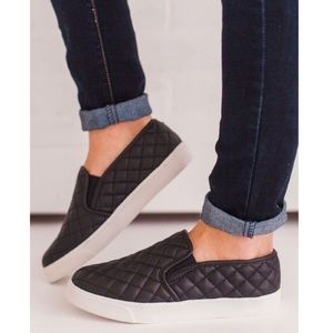 Qupid | Quilted Black Sneakers